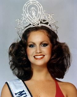Margaret Gardiner Becomes Miss Universe South African